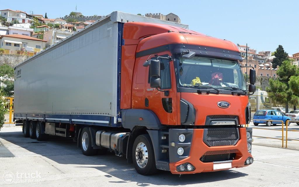 Ford cargo nakliyat aracı